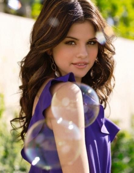 Selena Gomez is a beautiful girl and I really would like to meet her.  She was a large part of my childhood too because of Wizards of Waverly Place and so yeah I do want to meet her.  She's a talented girl who I do look up to and she's a star.  Selena Gomez has worked hard and I do want to get to her star level, even if that means dating JB.