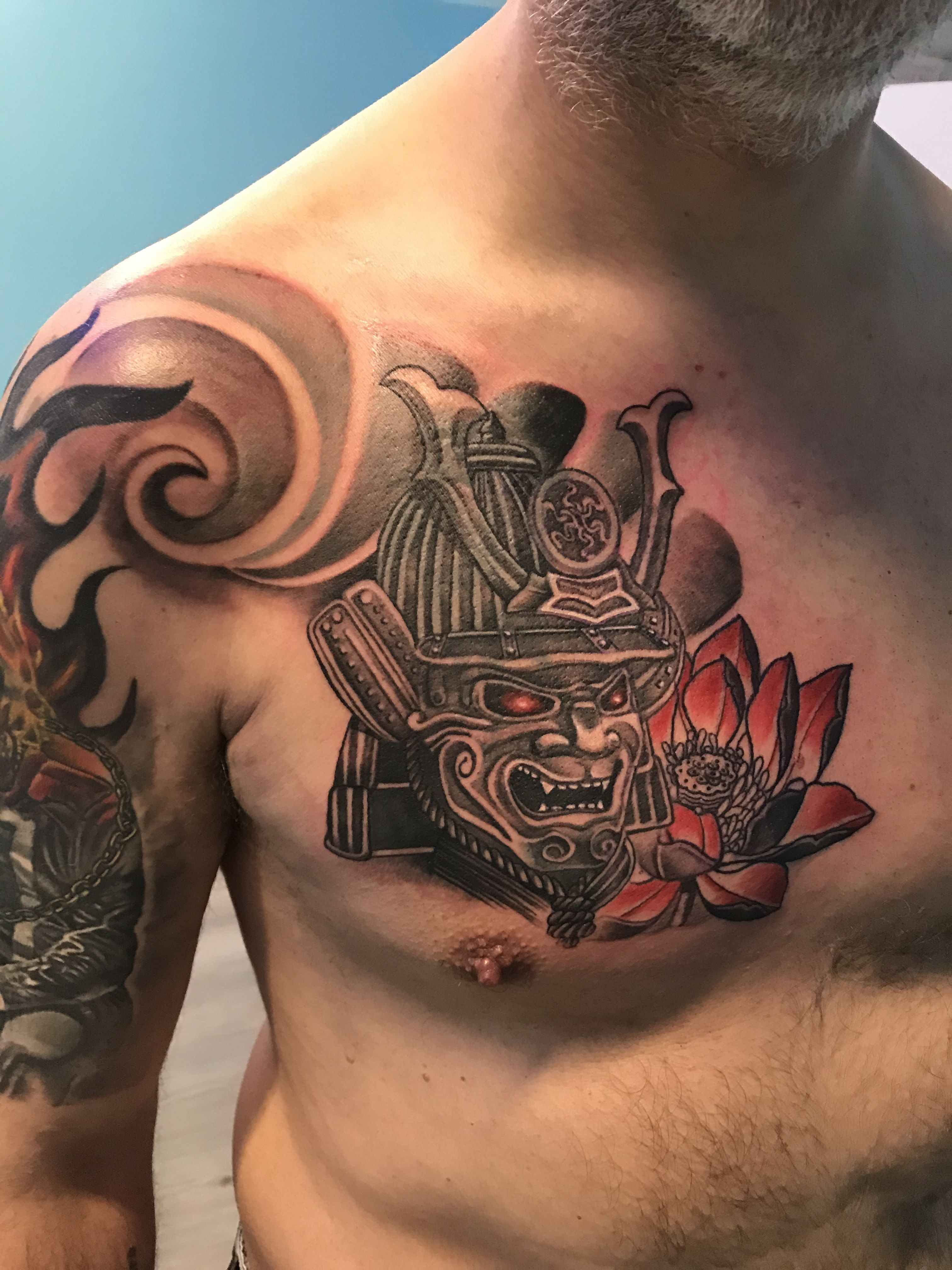 Questo un splendido #tattoo #tattooart #tatuaggi #tatuajes , un  #tatuaggiosamurai eseguito da #tatuatoreverona