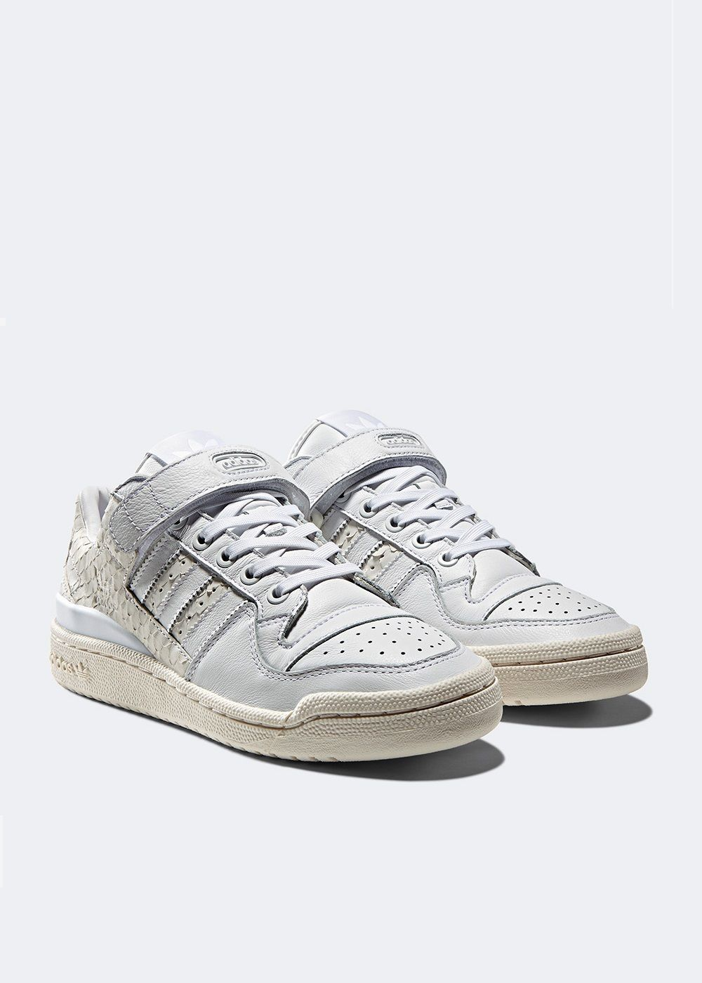 newest c2fb5 a9a44 adidas Originals Forum Low