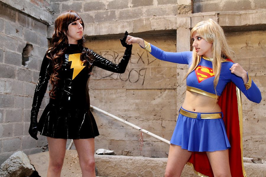Evil Mary Marvel vs. Supergirl #cosplay | Supergirl ...