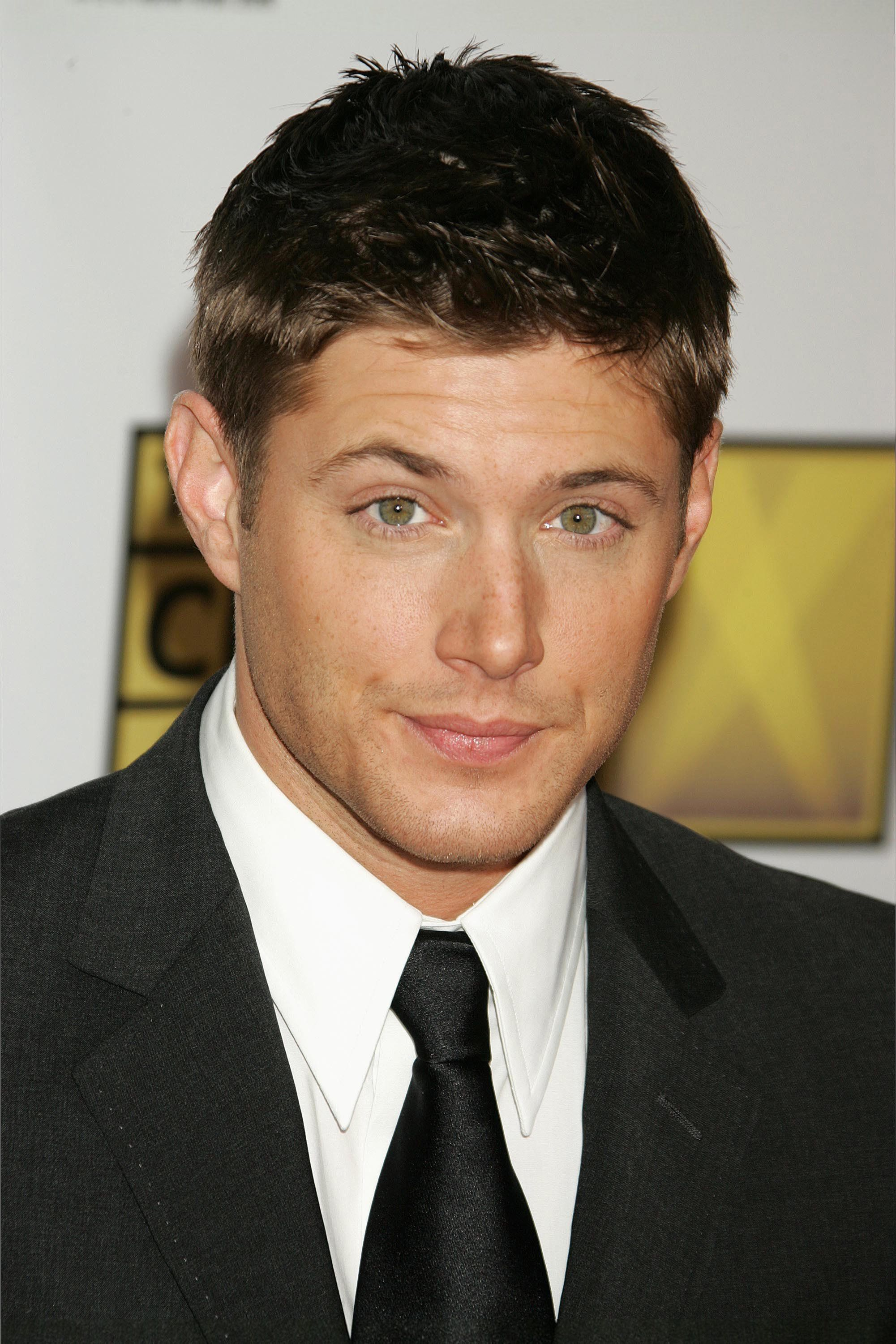Jensen Red Carpet (Click Through For A MUCH Larger Picture   2,000 X 3,000)