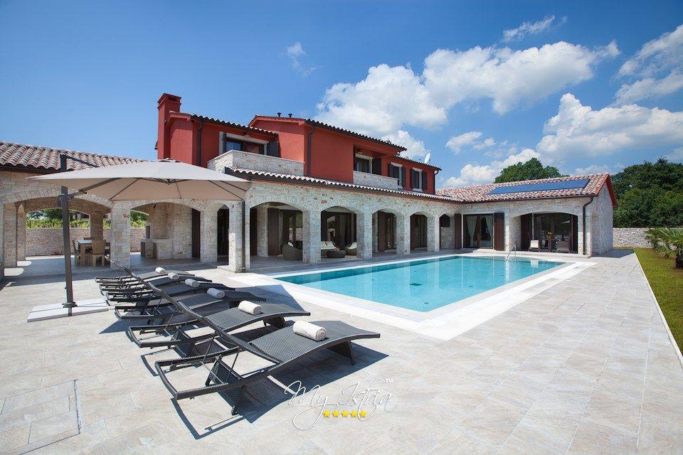 Luxury Villa in Pula, Croatia - www.myistria.com #Villas #Travel #Luxury #Vacation #Holidays #Rent #Coast #Pula #Istria #Croatia #Villa