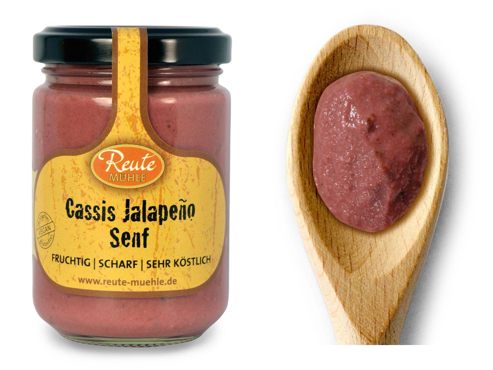 Cassis Jalapeno Senf - fruchtig   scharf   sehr köstlich. Fruchtige Johannisbeeren in harmonischer Liaison mit angenehm scharfen Jalapenos und unserem Senf aus der Manufaktur Reute Mühle. Ein toller Begleiter zu kräftigen Fleischgerichten und als Brotaufstrich. Köstlich zu gebackenem Camenbert.