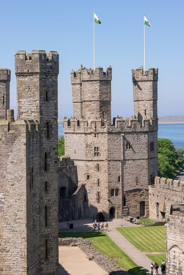 The Castles of North Wales: Fact and Fiction (Perspeculor) | Old ...