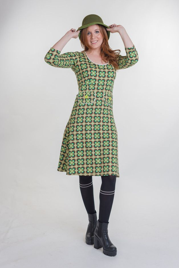 Knielange Kleider - Kleid Flowers 70s - ein Designerstück ...