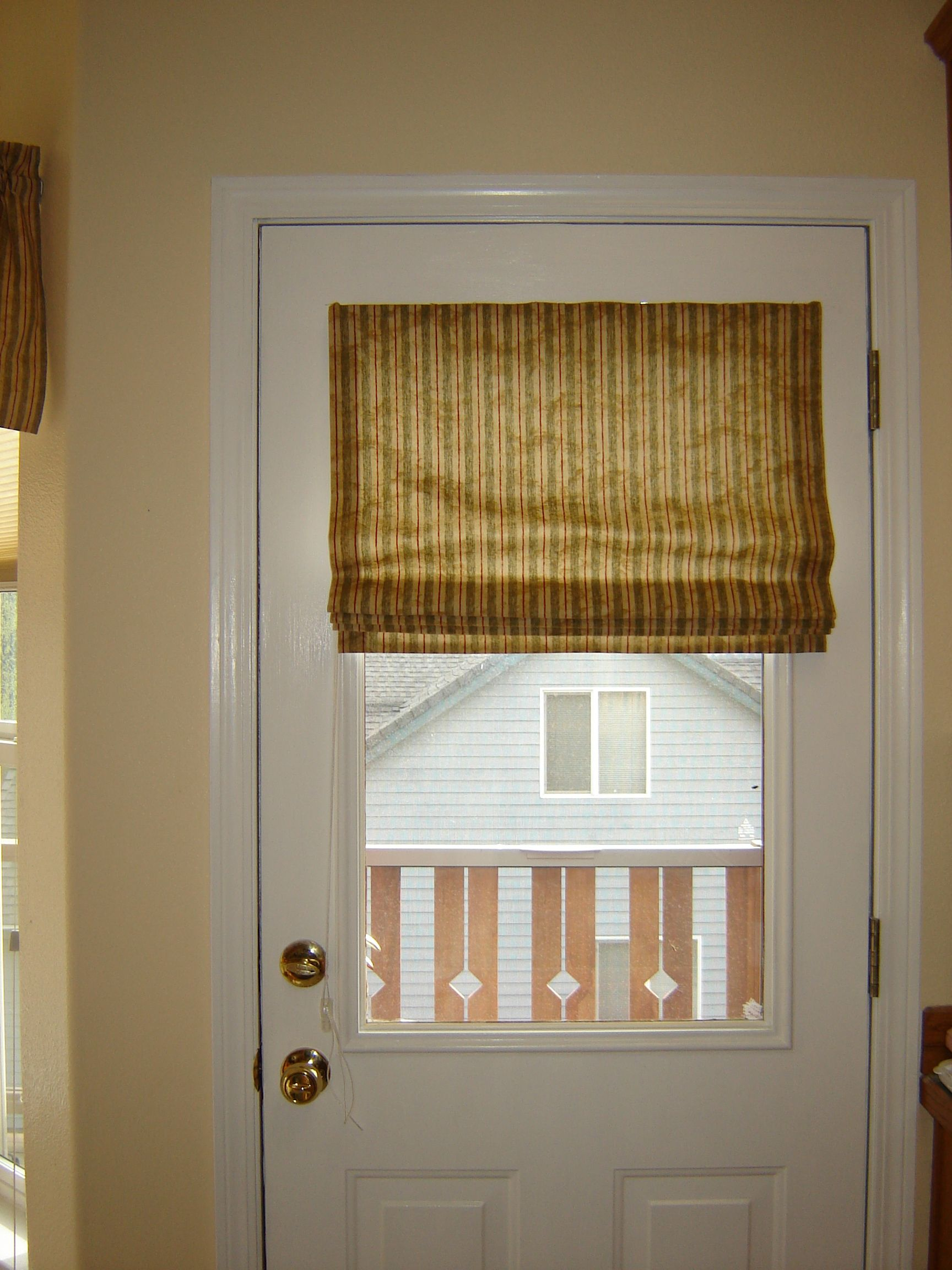 Roman Shade For Metal Door Glued Magnets To The Back Of The Wooden Mounting Board No Holes Needed In The Doo Windows And Doors Steel Doors Window Coverings