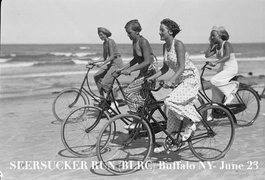 Buffalo-Seersucker-Run-2013-poster-depicting-vintage-bicycle-girls-summer