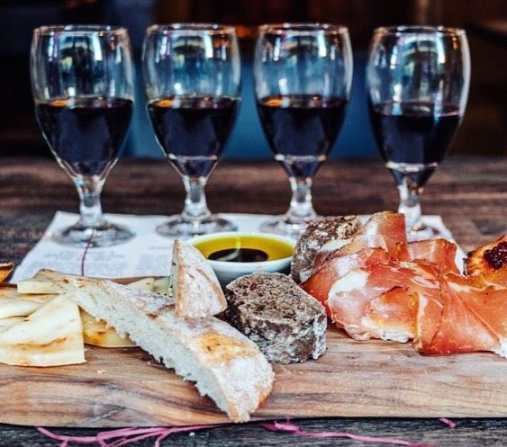 This is our 'I Quattro Rossi' wine tasting experience...😍 Four exquisite red wines paired with a selection of delicious appetisers!! 👌🇮🇹 Come and try our food & wine pairings!! You won't want to leave. 😉🍷🍷🍷🍷 Discover more, link in bio 👆🏻 #winetasting #photography #artist #instadaily #love #vino #smile #photooftheday #instalike #friends #handmade #nature #amazing #instagood #painting #follow #picoftheday #foodporn #foodie #manchester #leeds #bristol #chester #reading #leicester #edinbu