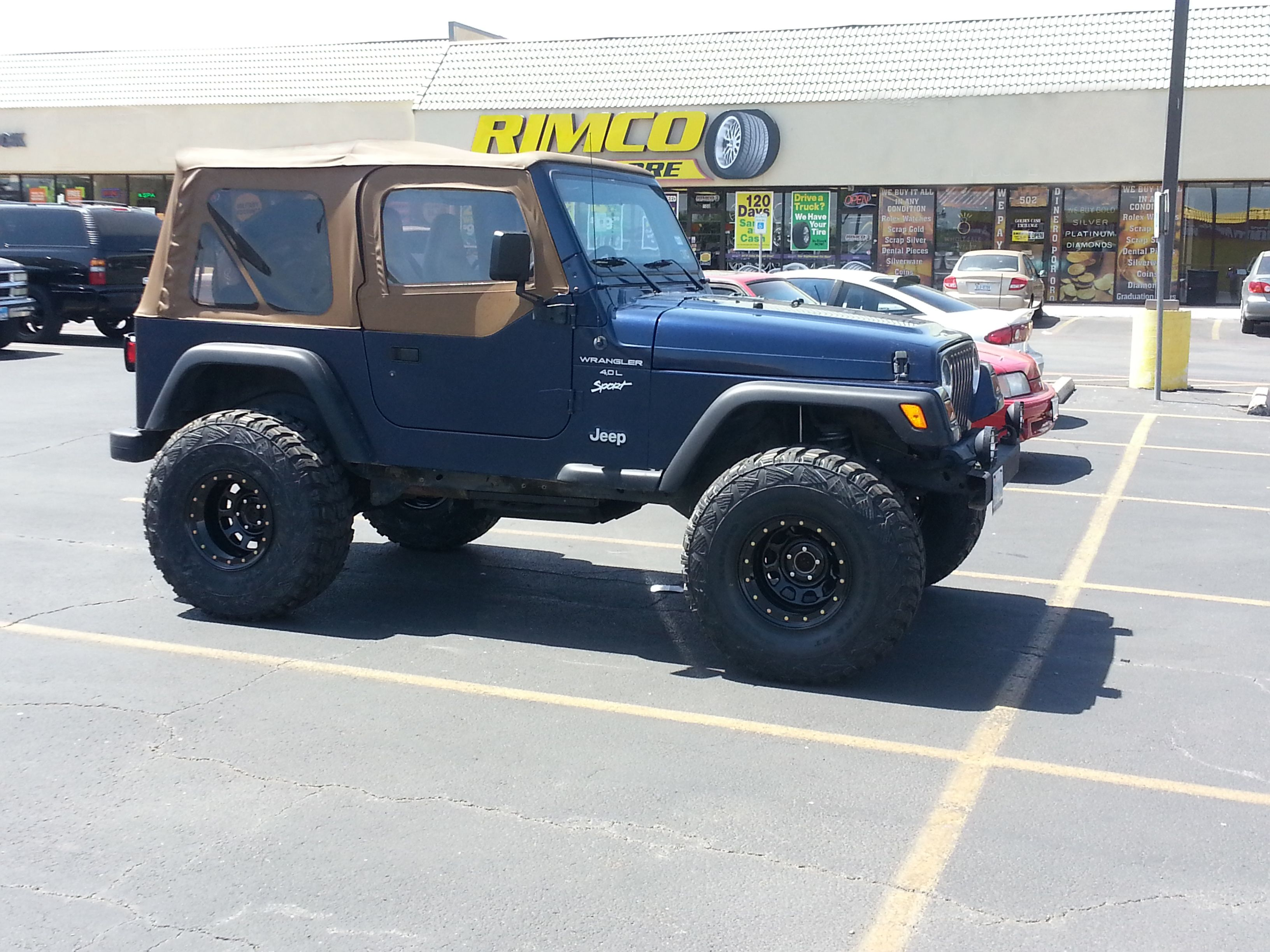 Check Out John Deltra S 1998 Jeep Wrangler Sporting 16 Pacer 252 Wheels And 32x12x50x15 Tires This Install Also Involved A Six Inch Lift Than 1998 Jeep Wrangler Jeep Wrangler Sport Jeep Wrangler