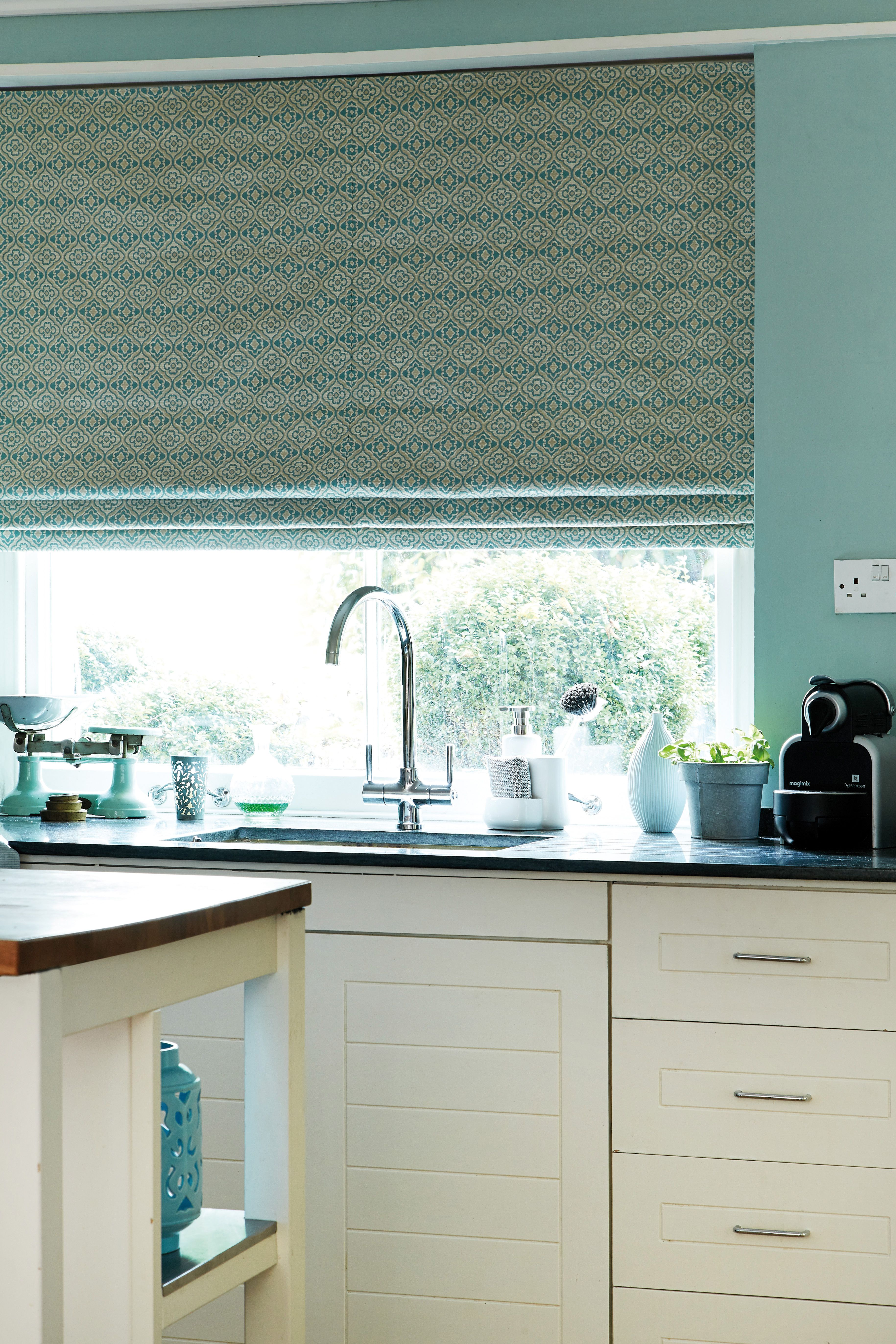 Create a fresh environment with our teal roman blinds. #romanblinds #tealblinds #home #interiordesign #kitchenblinds Please visit us at www.barnesblinds.co.uk