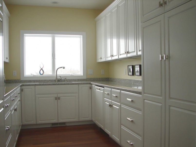 small-kitchens-with-white-cabinets-u-shaped-kitchen-design-ideas ...