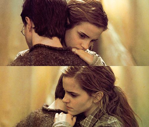 Loved this awkward dancing scene. Harry Potter & Hermione Granger