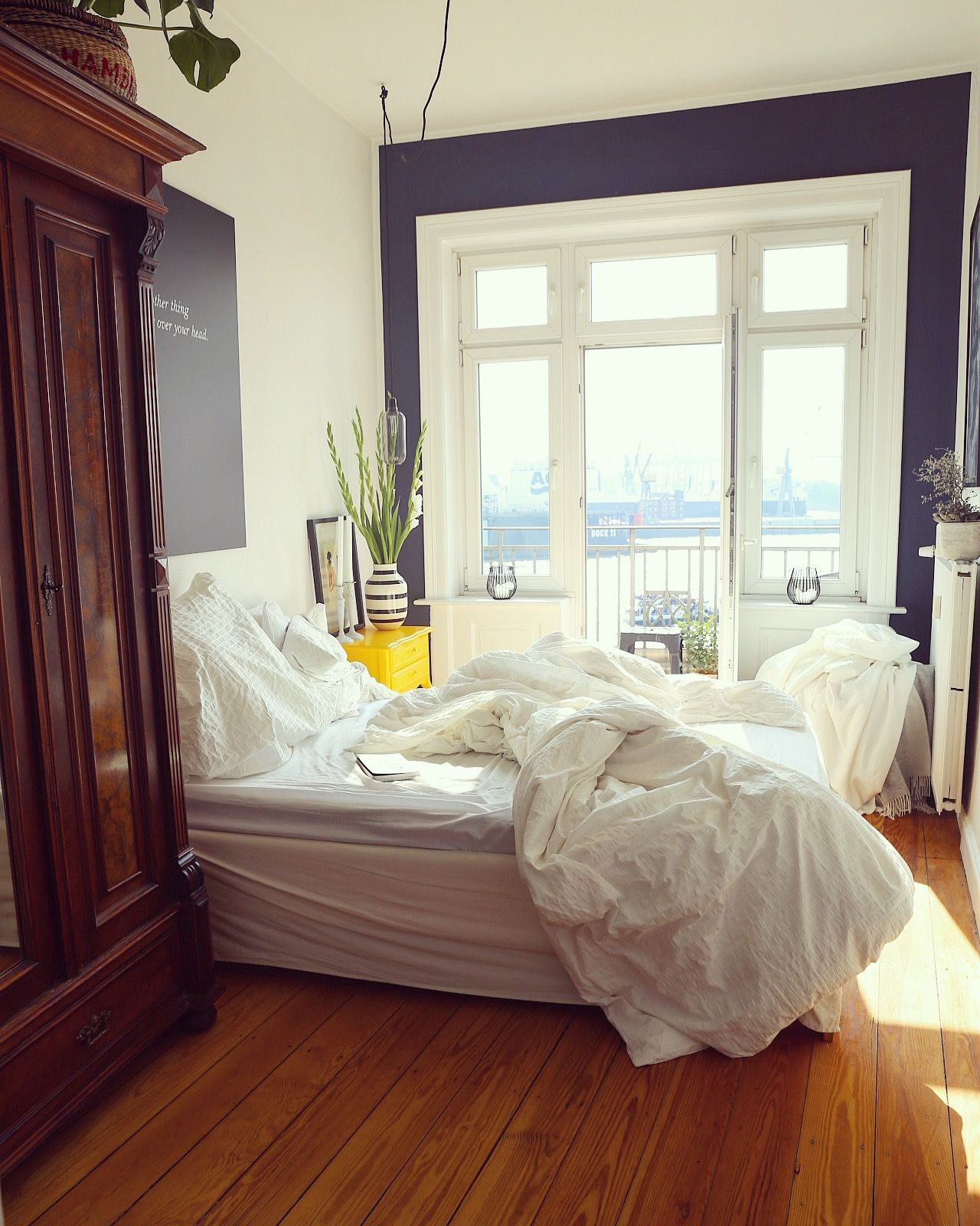 Schlafzimmer Hamburg bedroom with a view roomwithaview hamburg bed white