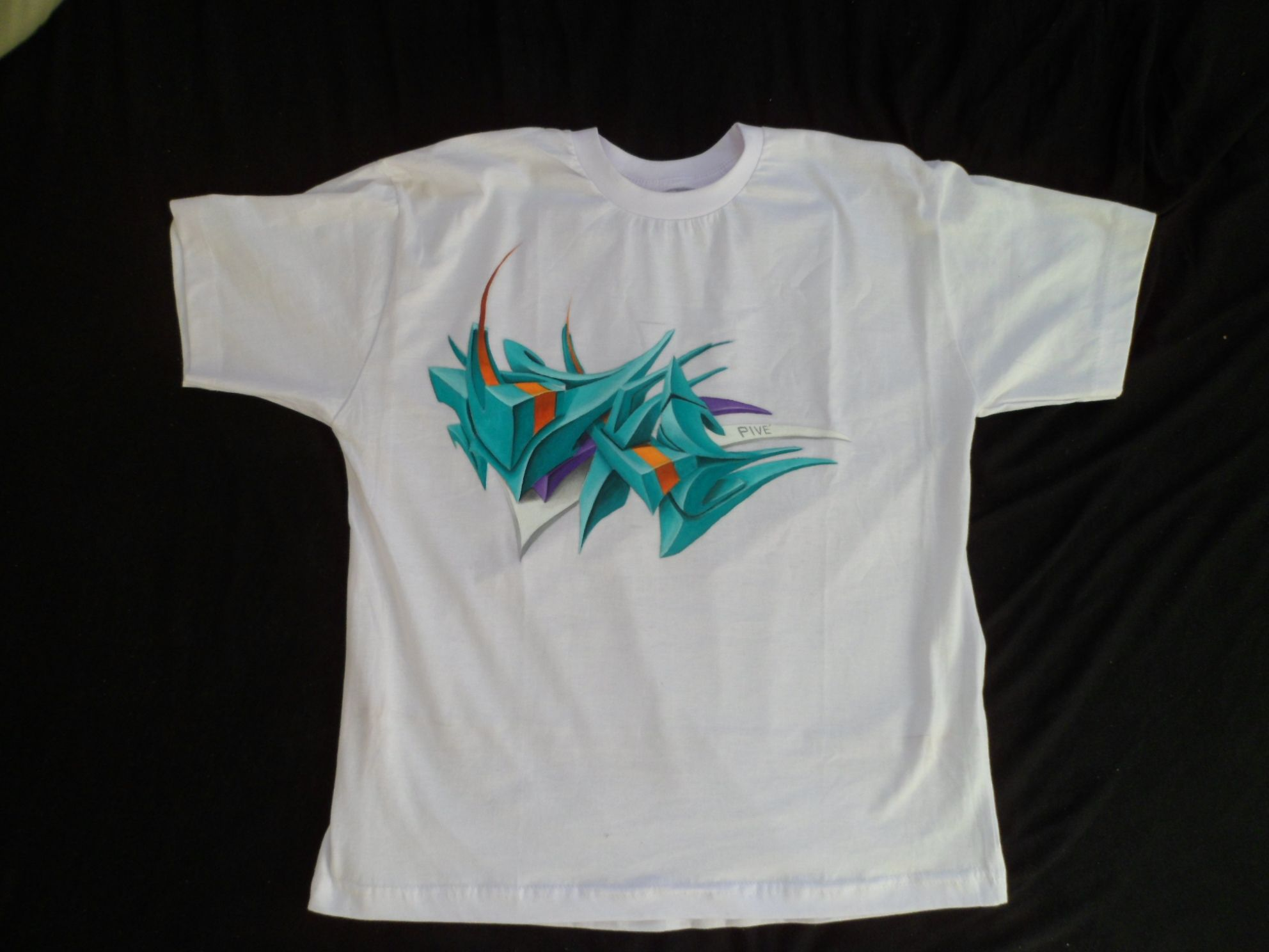 Pivé Camisetas customizadas, sob encomenda.