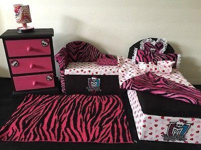 Monster High Bedroom Furniture Set: Draculaura. Bed, Sofa ,chest,bed Set