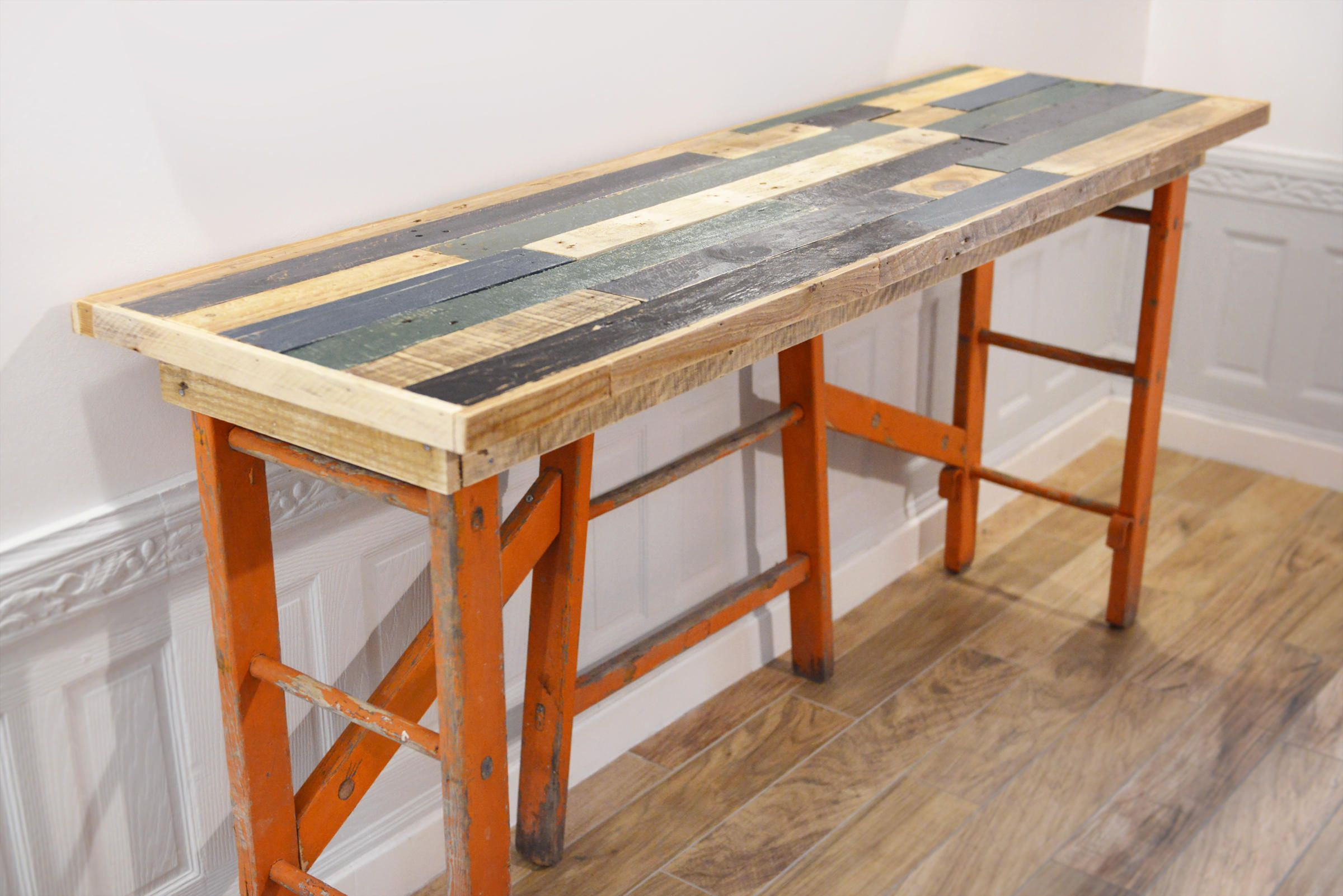 Meuble dentrée bureau desserte bois massif et ancienne échelle en