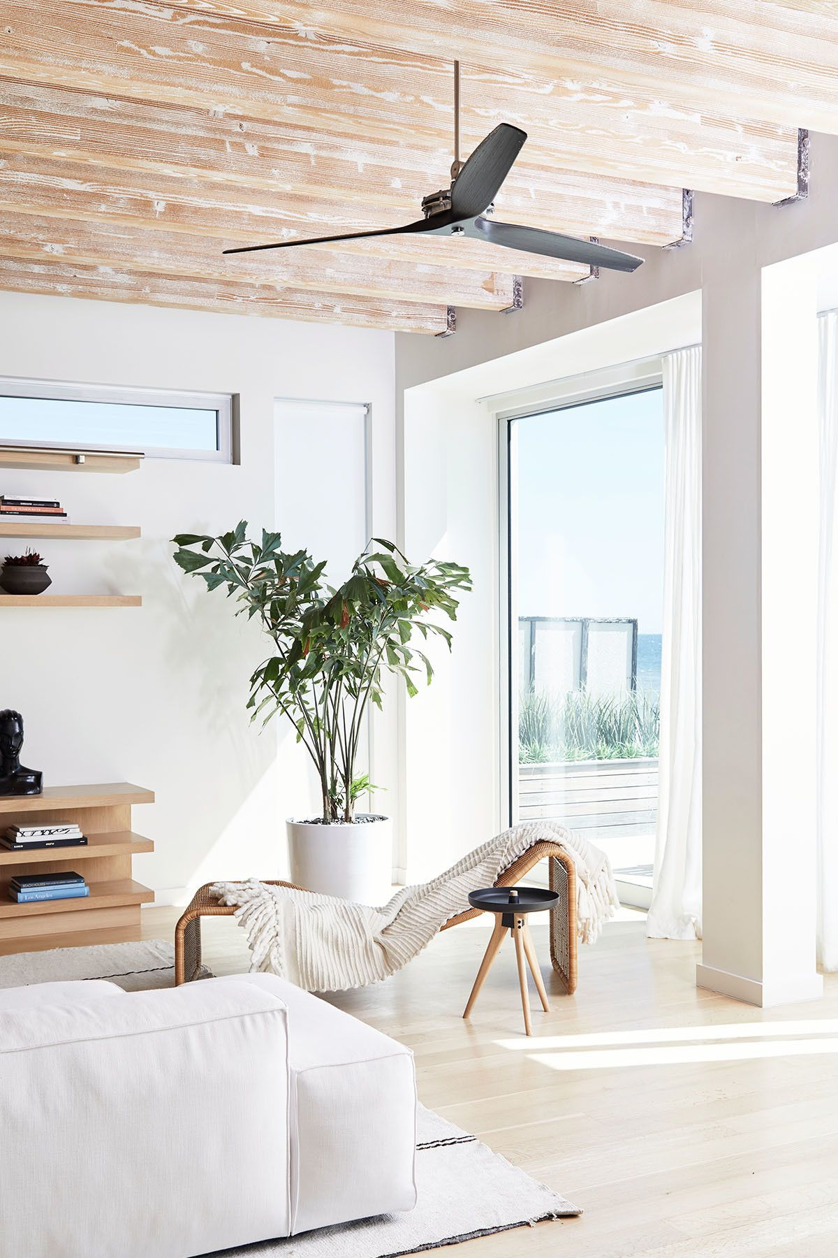 Fall In Love With This Chic Minimal Malibu Beach House Minimalist Living Room Minimalist Living Room Decor Affordable Living Room Furniture