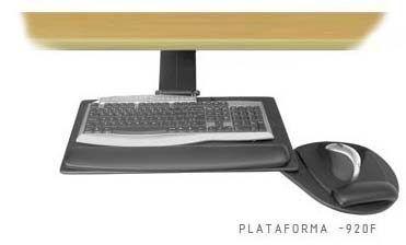 Apoio para punho  – 925 Seu mecanismo elaborado com tecnologia de alta precisão permite movimentos: retrátil, vertical e horizontal. Com um suave toque coloca o teclado e o mouse na posição desejada.