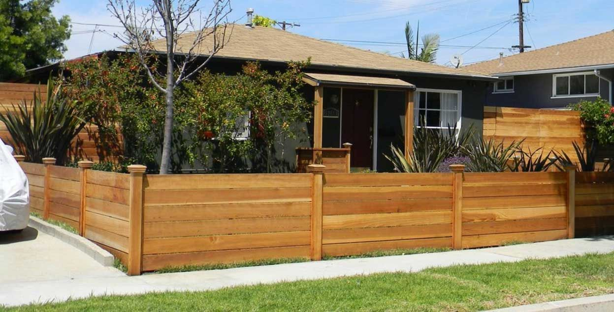 12 Tantalizing Modern Fence Topper Ideas Wood Fence Horizontal Fence