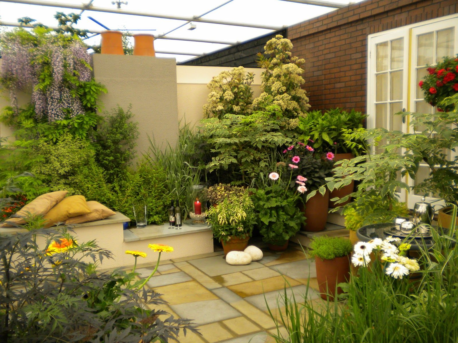 Beautiful small terrace gardens - Decorating The Roof To Look Like A Paradise