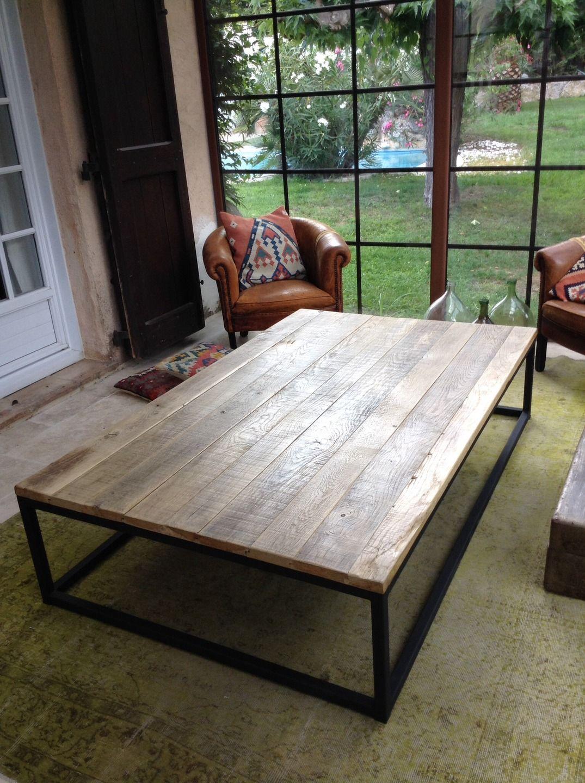 Table basse plateau vieux ch ne pi tement m tal finition noir mat maison en 2019 table basse - Table basse vieux bois ...