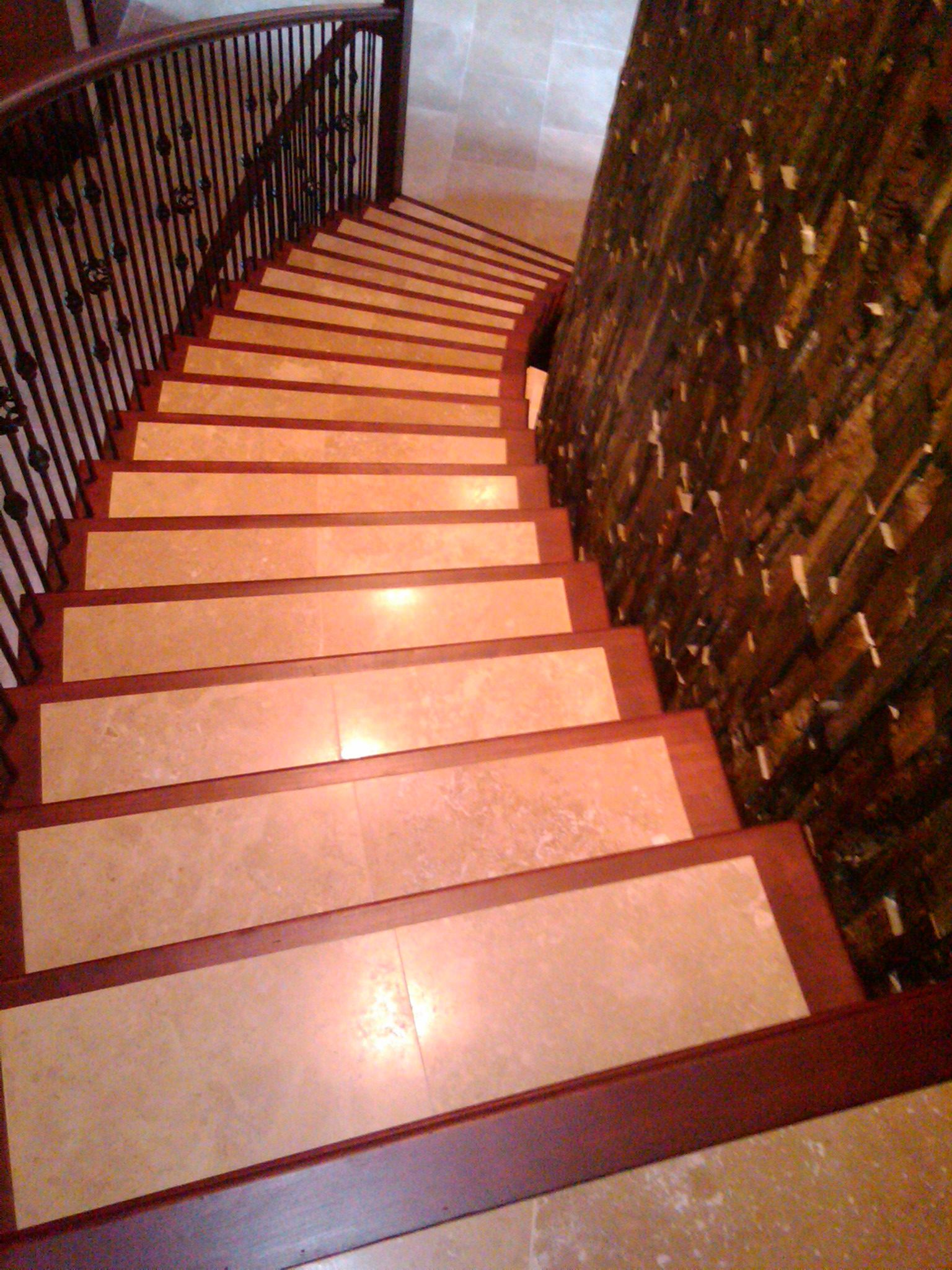 Best Hardwood Border Stair Case With Tile Center By Marquis 400 x 300