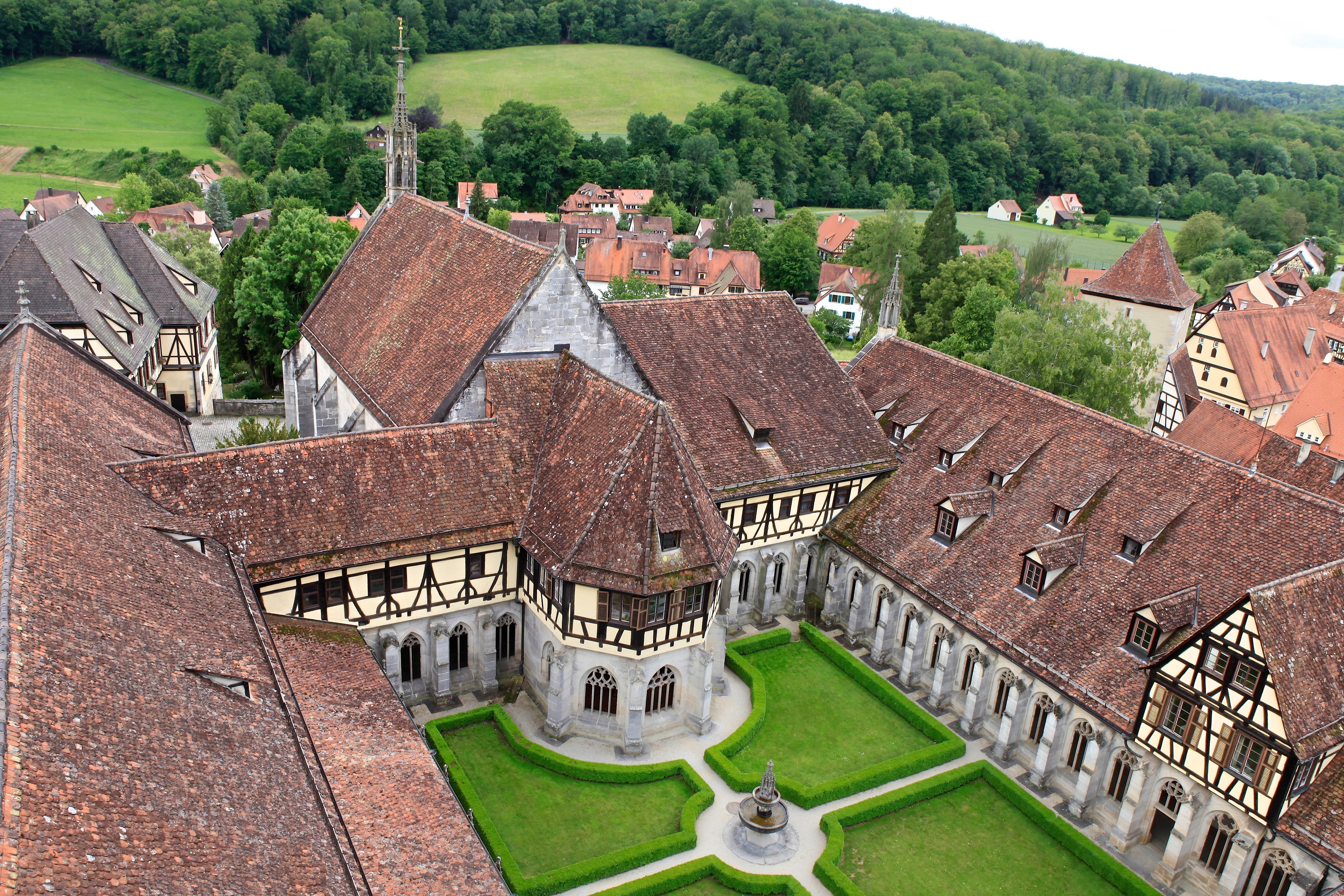 Kreuzgarten Bebenhausen In 2020 Kloster Schloss Garten