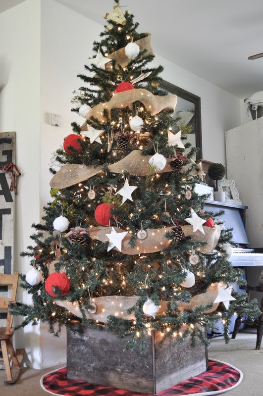 Build A Rustic Box For Your Christmas Tree Cloverlaneblog Com Christmas Tree Base Rustic Christmas Ornaments Burlap Christmas Tree