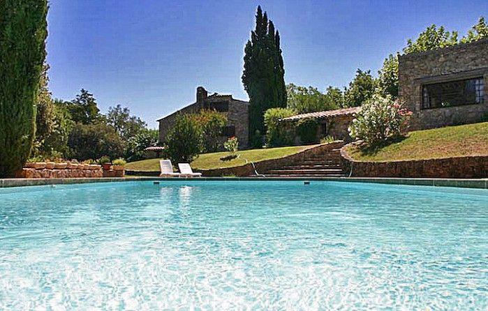Vakantievilla Poezie - Plan de la Tour, Cote d'Azur, Frankrijk - Villa met groot zwembad voor maximaal 14 personen -  mail@xclusivevillas.com of  bel:  0031 (0)85 401 0902