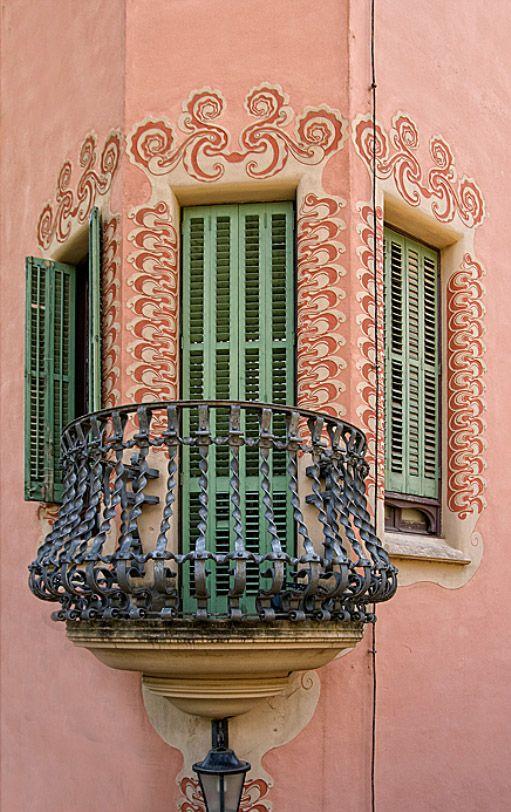 Antonio Guadi's balcony | ARCHITECTURE DETAILS | Gaudi ...