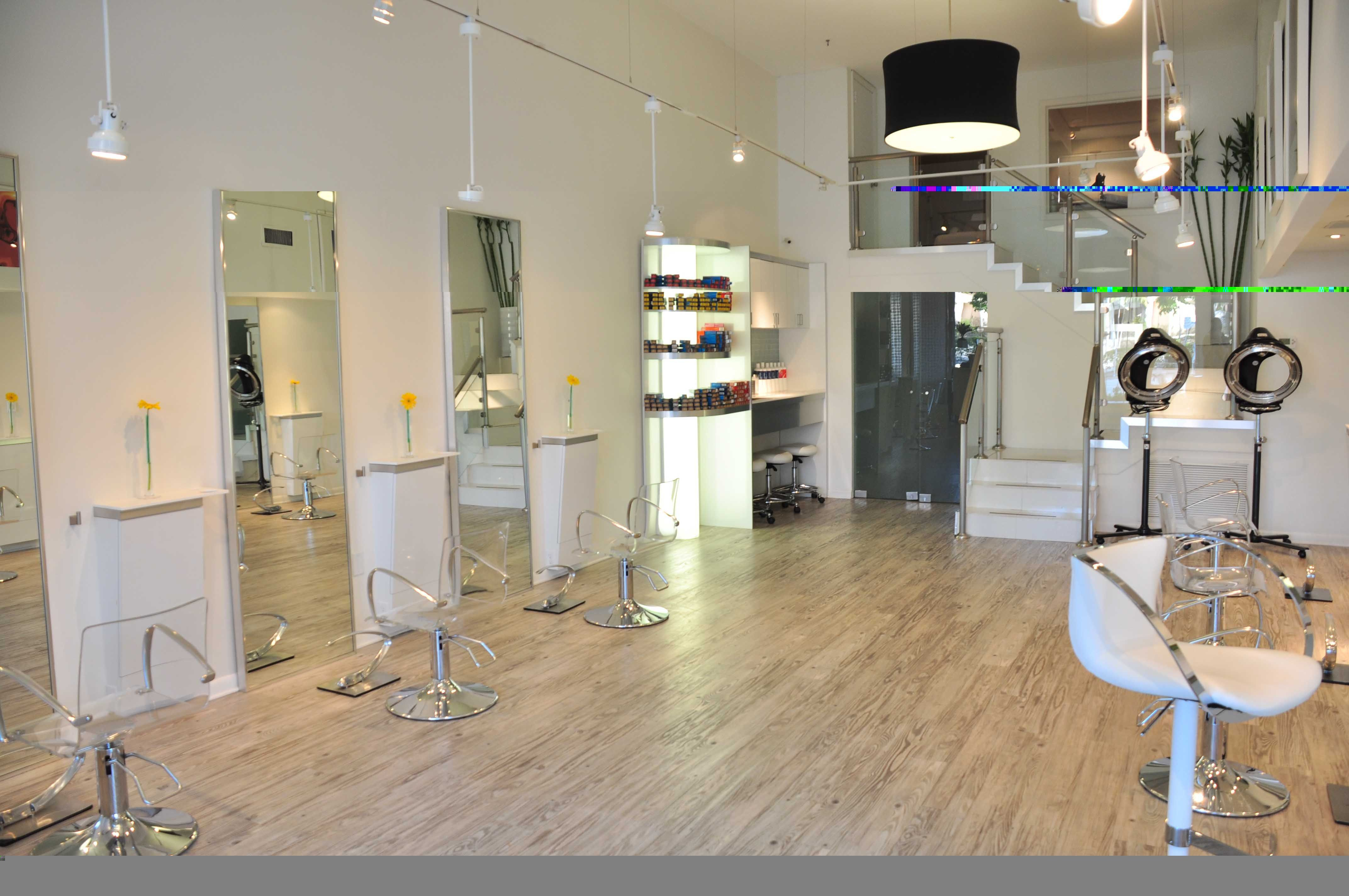 small hair salon design ideas avec lights around mirror salon rh pinterest com