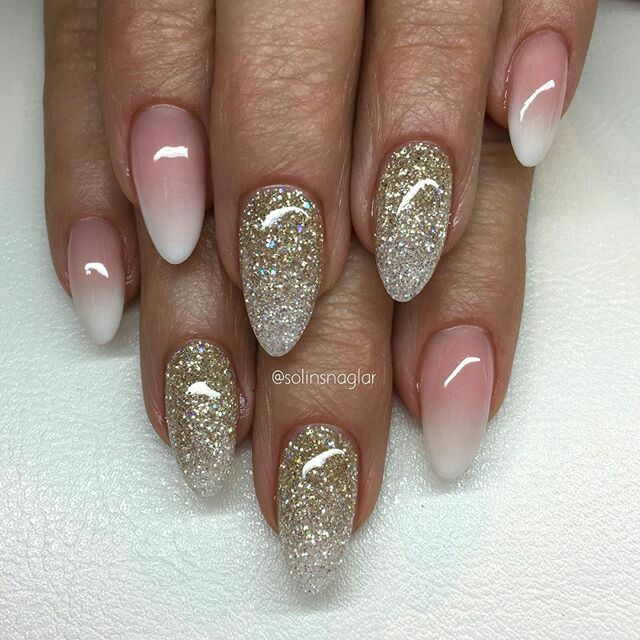 F 246 Rst 228 Rkning Med French Ombre Och Glitterombre I Mandelform👌🏼 Chic Nails French Acrylic Nails