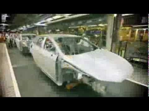 Two minutes to make a SEAT Leon ST   AutoMotoTV