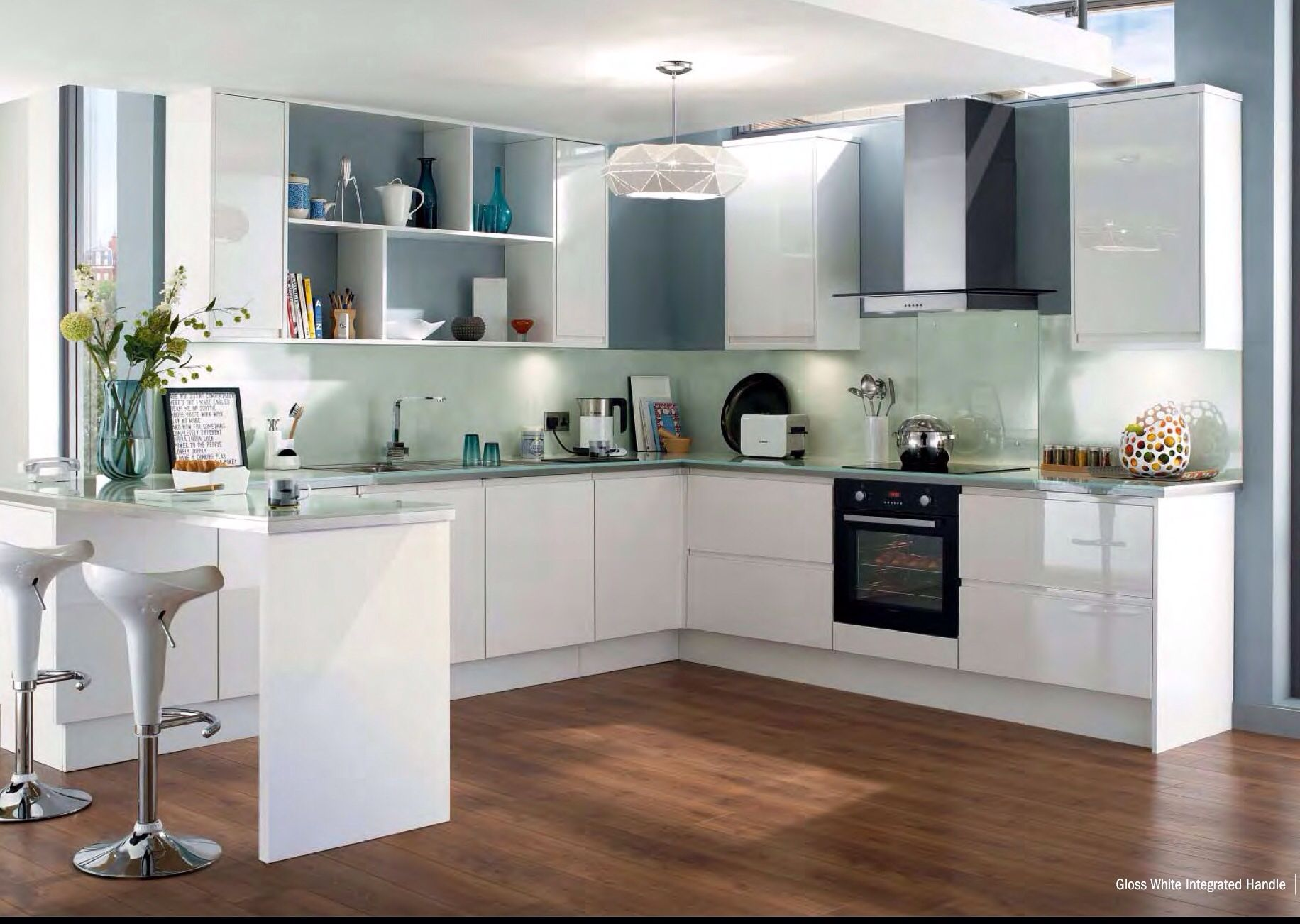 Howdens white high gloss New kitchen doors, Integrated