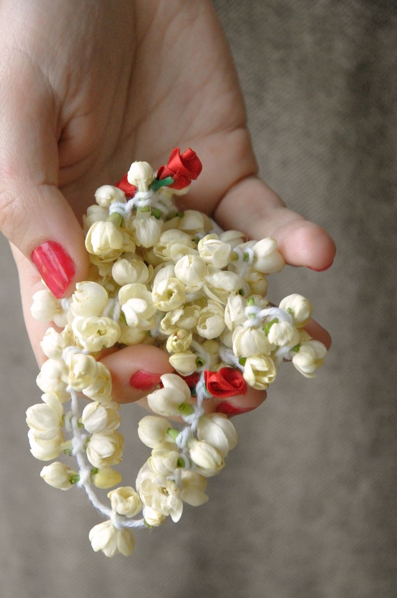 Jasmine flowers braided for hair adornment jasmine pinterest jasmine flowers braided for hair adornment indian bride hair asian bride jasmine hair izmirmasajfo
