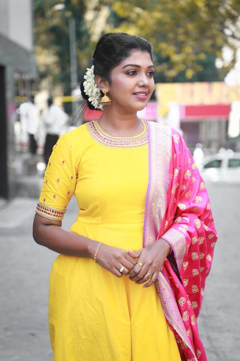 latest tamil hindi telugu movie news photos videos trailers woodsdeck