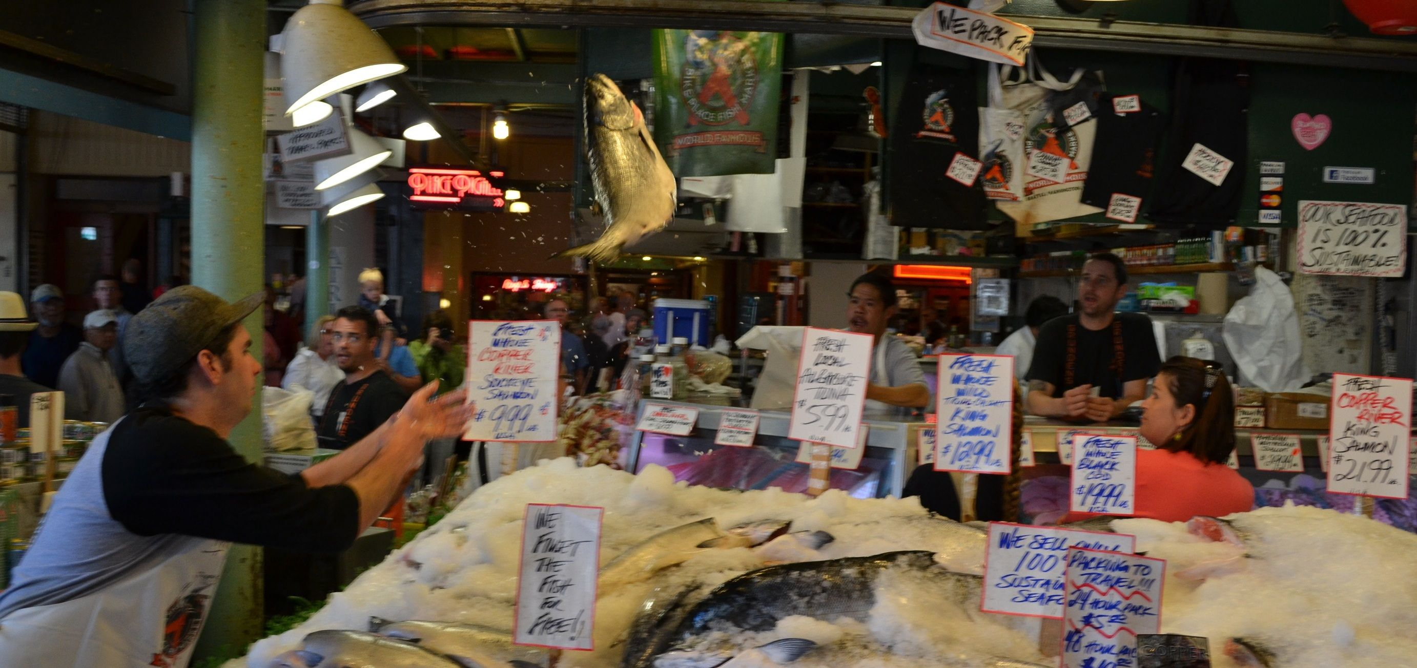 Pike place market fish toss seattle pike place market for Washington fish market