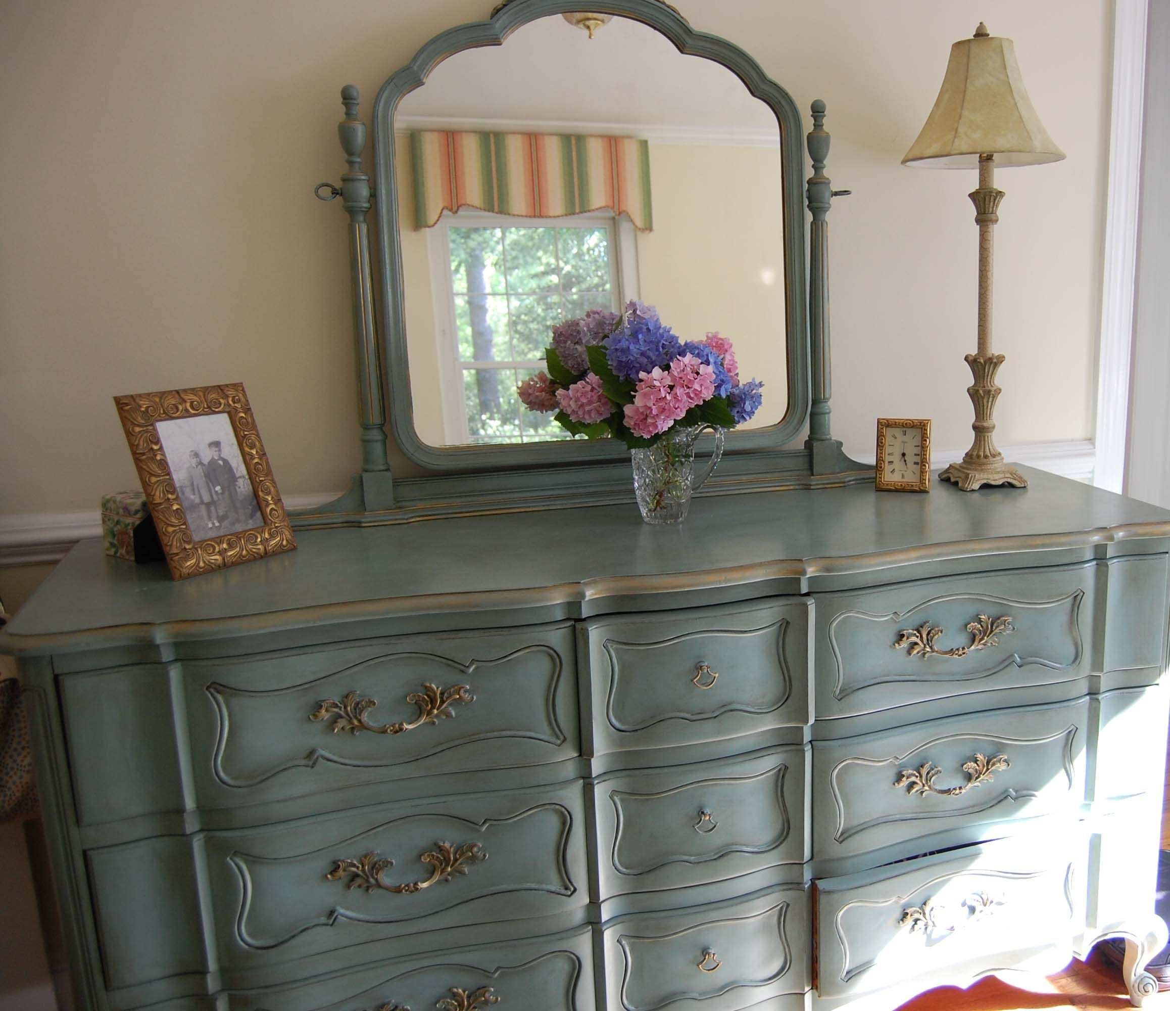 Mirrored Bedroom Dresser Painted This Bedroom Dresser Found At A Local Used Furniture Store