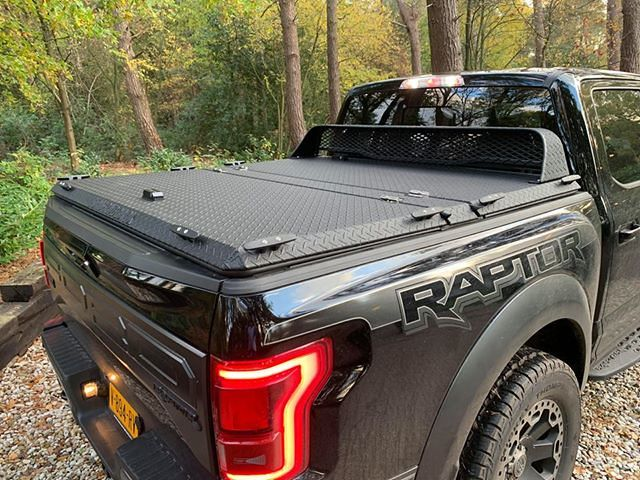The Ford Raptor The Perfect Off Roading Truck Volzan Com