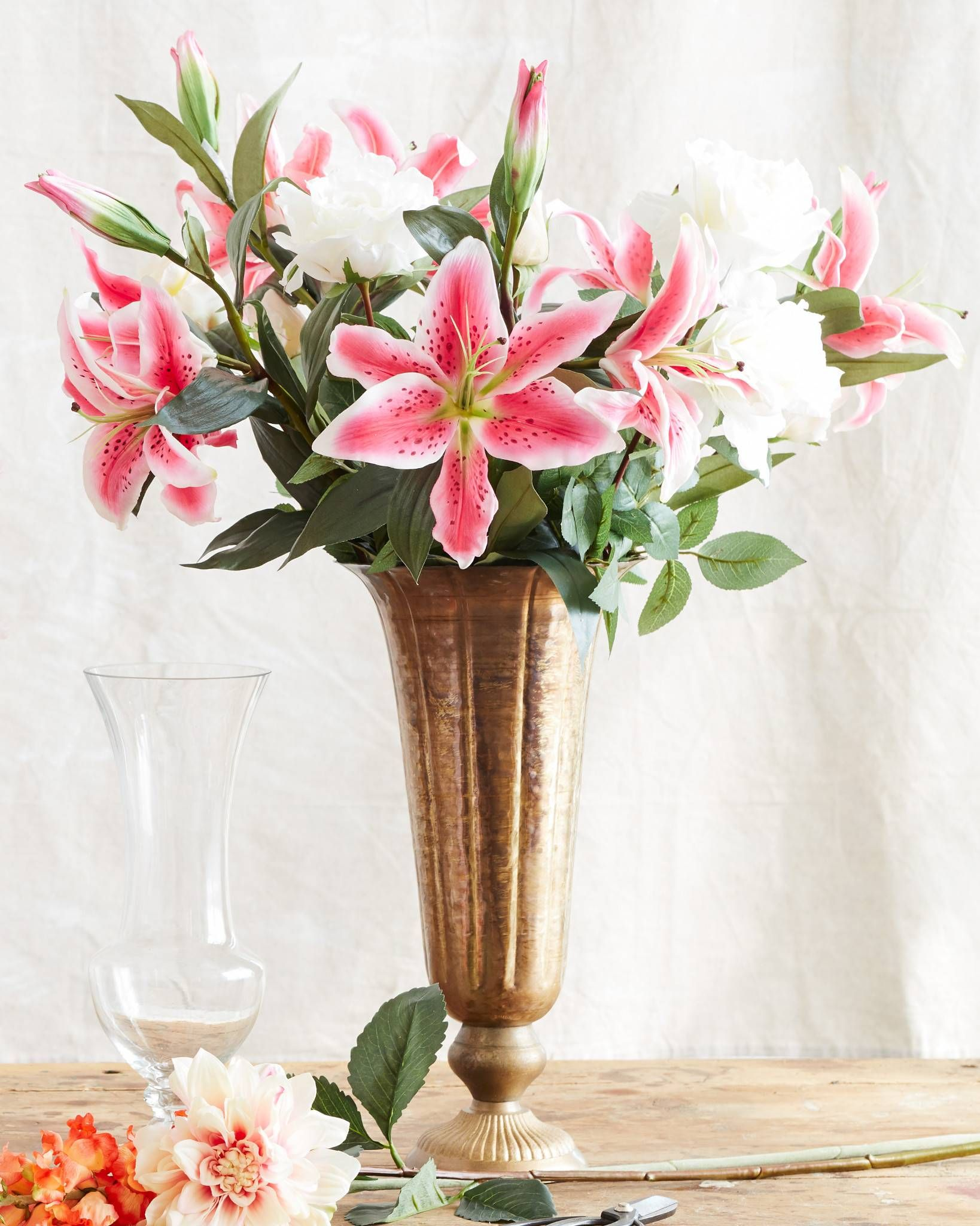 Our Casablanca Lily Flower Stems Are Exquisite Reflections Of Nature S Beauty This Balsam Hill Exclusive Features Lily Flower Flower Vases Artificial Flowers