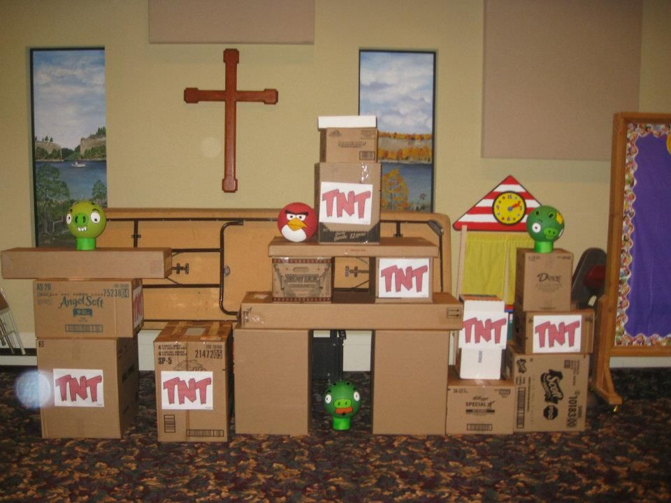 Life size angry birds game with boxes and balls | Angry Birds Blue ...