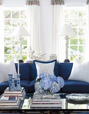 My Sunroom Blue Sofa Coffee Table Arrangement Blue Flowers Look Nice In Front Of Sofa Blue And White Living Room Living Room Designs White Living Room