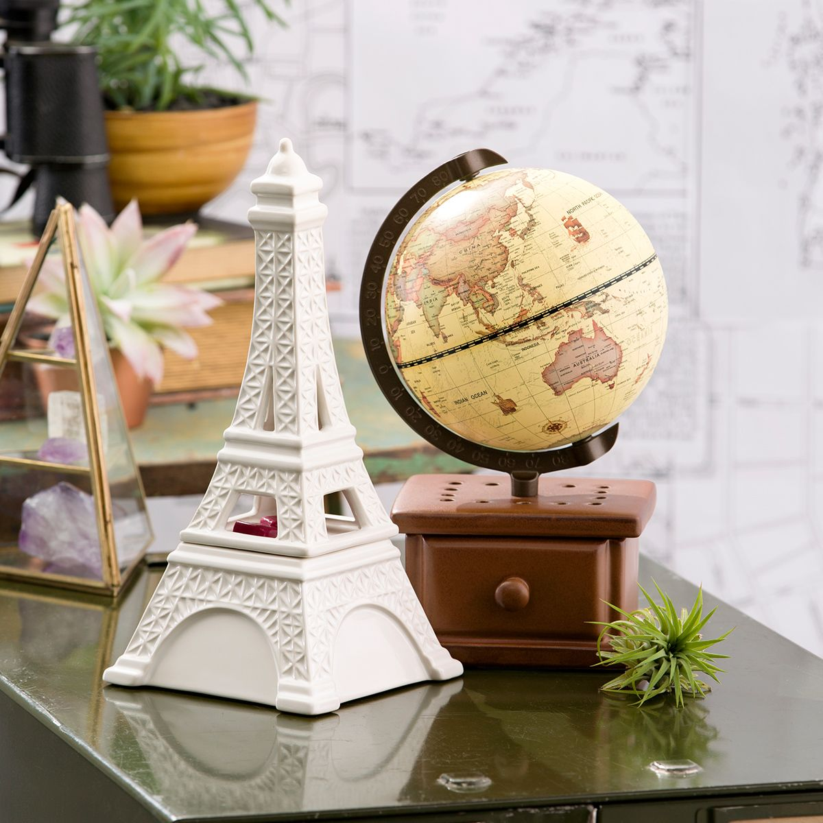 Midnight in Paris Eiffel Tower Wax Scentsy Warmer + Around