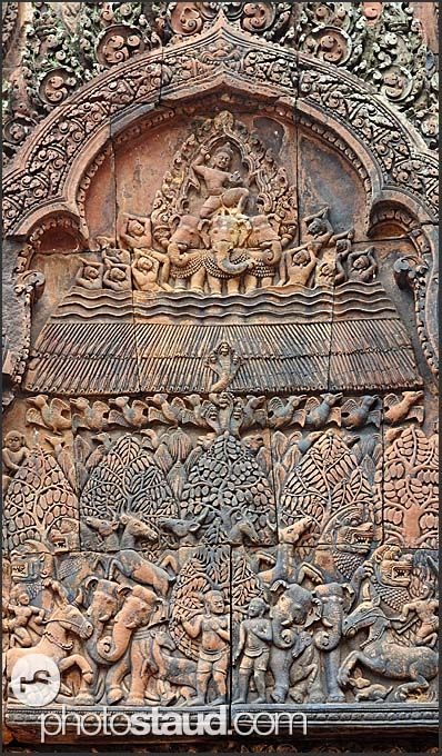 Elaborate relief carvings banteay srei temple angkor