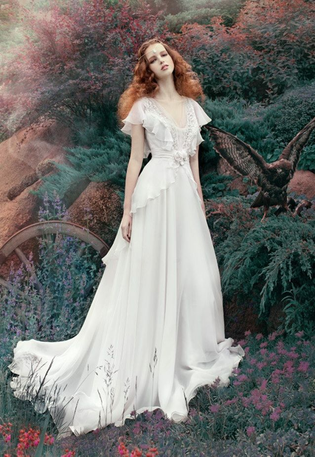 A look classic with renaissance wedding dresses photo