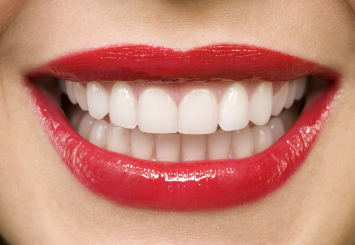 How to Whiten Your Teeth Using Stuff You Already Have #howtowhitenyourteeth
