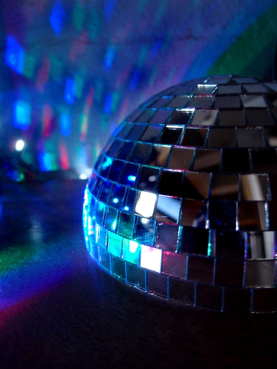 Miraculous 12 Silver Half Dome Centerpiece Disco Mirror Ball For Dance Beutiful Home Inspiration Xortanetmahrainfo