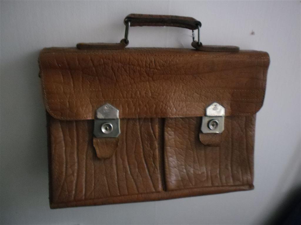 Gammal brun portfölj väska i skinn ika retro | Retro