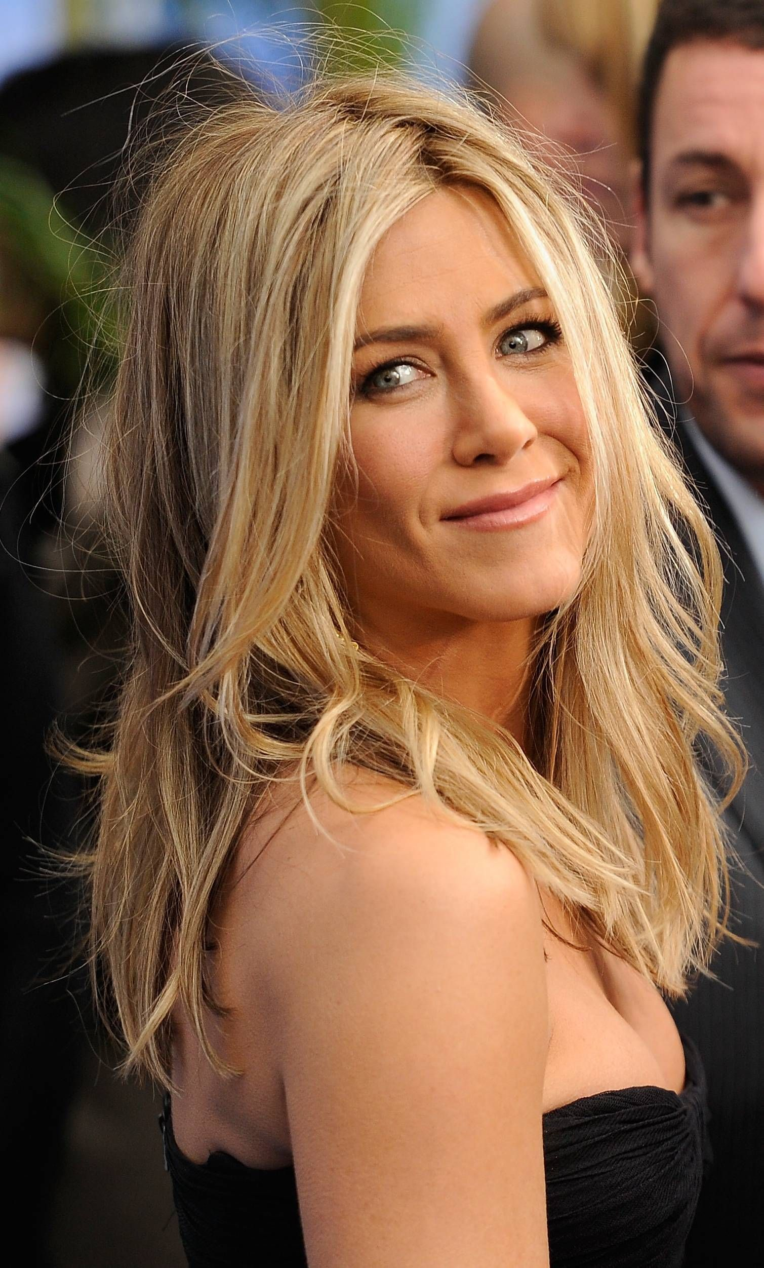 Prom Hairstyles For Long Hair Jennifer Aniston Blondes And Beachy