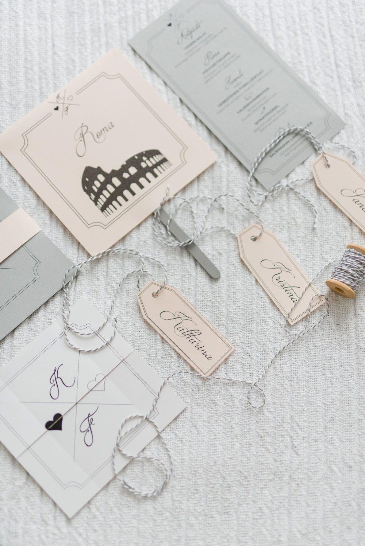 Papeterie Zur Hochzeit Mit DIY Fächer, Anhänger, Einladungskarte Und  Menükarte. Passend Zum